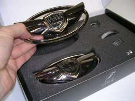 "Genesis Coupe Wing Emblem Set ""The Art Of Speed"" - Black Chrome"